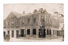 Chaimo Gurvičiaus vaistinė Gedimino (dabar Didžiosios) ir P. Lukšio (dabar Senosios) gatvių kampe