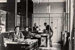 Lietuvos banko pastato Kėdainiuose interjeras, 1938 m. Nuotr. Povilas Karpavičius