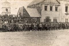 Rikiuotė Vilniaus (dabar Didžiosios Rinkos) aikštėje, 1922 m.